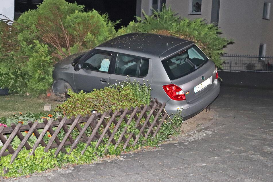 Alle drei Fahrzeuginsassen blieben durch den Unfall unverletzt.