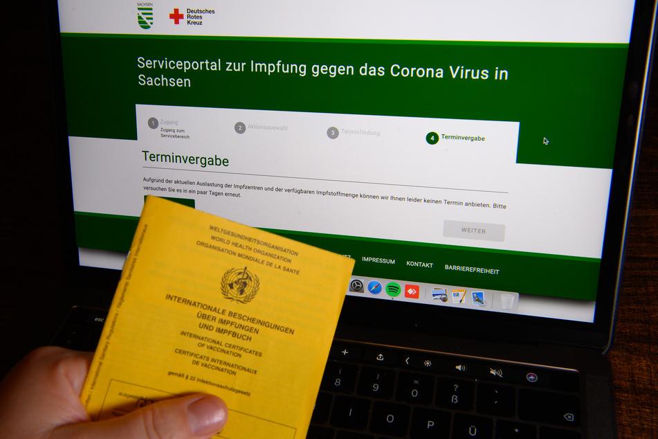 Wer Sachsens Impfportal nutzen möchte, sollte ein wenig mehr Zeit einplanen. (Archivbild)