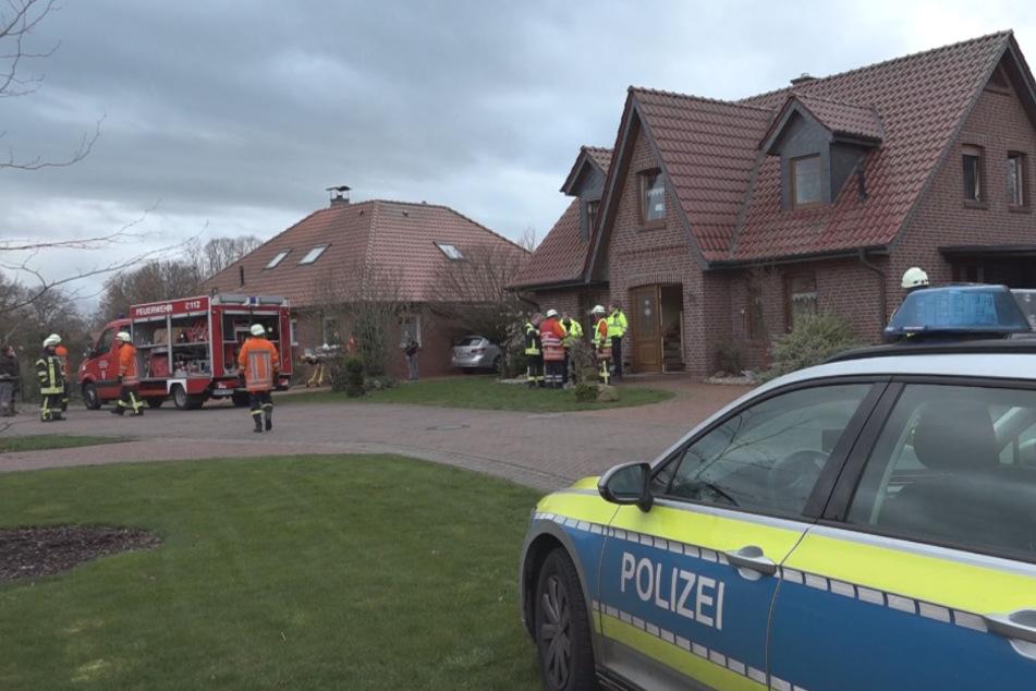 Die Einsatzkräfte fanden die tote Mutter in der Wohnung.