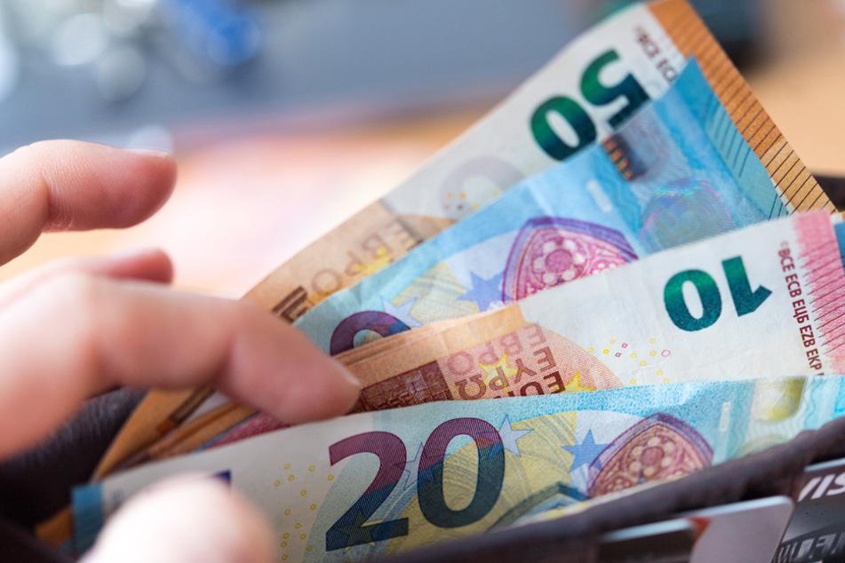 Im Vergleich zu anderen Ländern lieben die Deutschen ihr Bargeld - zumindest noch. (Symbolbild)