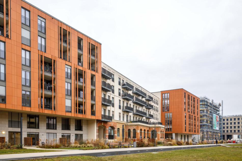 """""""Residenz am Postplatz"""" heißt ein neues Wohnensemble im Zentrum. Im stilvollen Altbau der ehemaligen Oberpostdirektion und in zwei Neubauten sind moderne Appartements entstanden."""