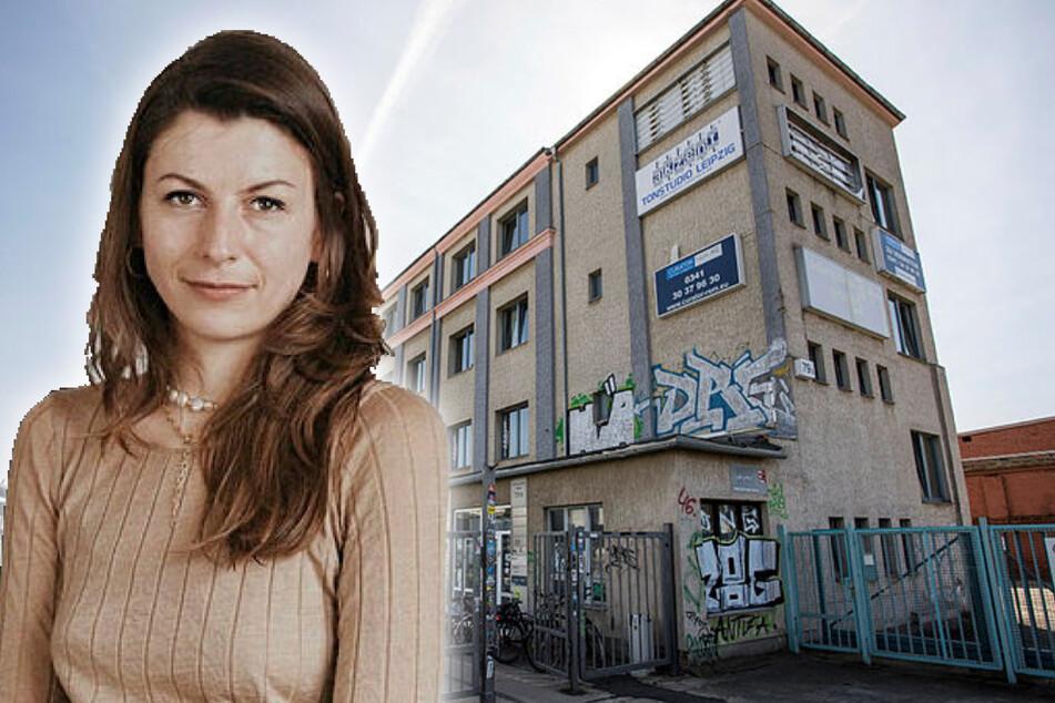 """In diesem Plagwitzer Mehrgewerkehaus knackte ein Einbrecher die Werkstatt von Stephanie Wilferts (31) """"ST'ATOUR"""" und griff sich 90 Schmuckstücke."""