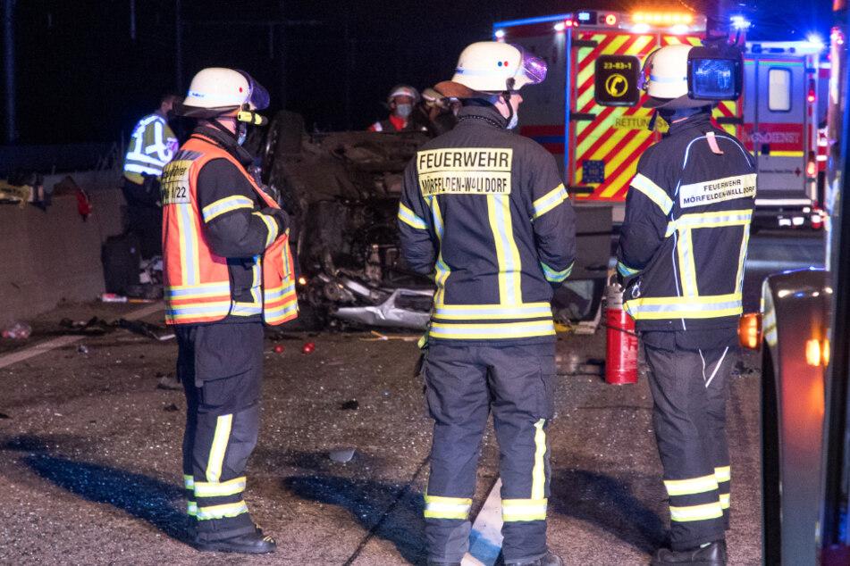 Beide Insassen des Unfall-Wagens wurden verletzt und kamen in eine Klinik.