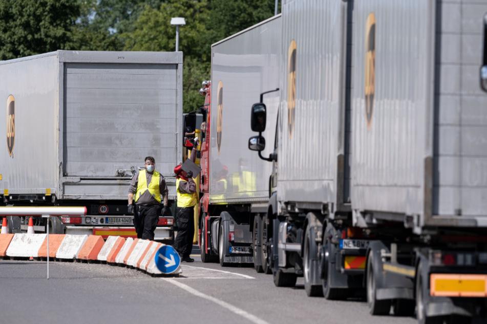 Corona trifft Logistik-Konzern hart: 72 Mitarbeiter in Verteilzentrum infiziert