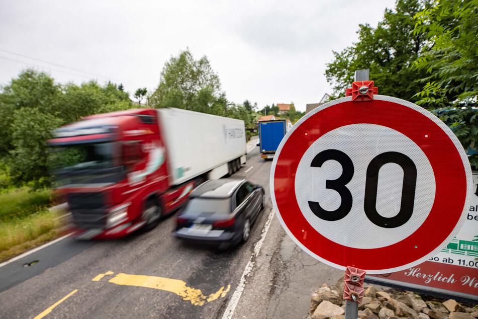Die Lage ist ernst: Die Orte an der S36 leiden unter dem Ausweichverkehr von A4 und A14. Aber der Protest dagegen bekommt immer mehr Aufmerksamkeit.