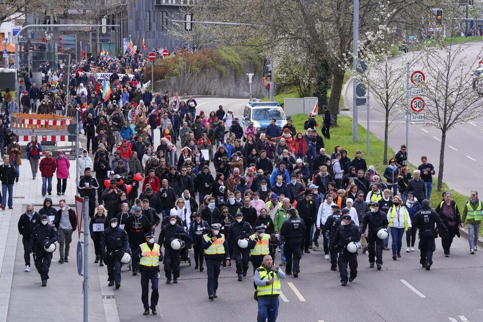 Stuttgart: Stadt Stuttgart verteidigt Linie zur Querdenker-Demo