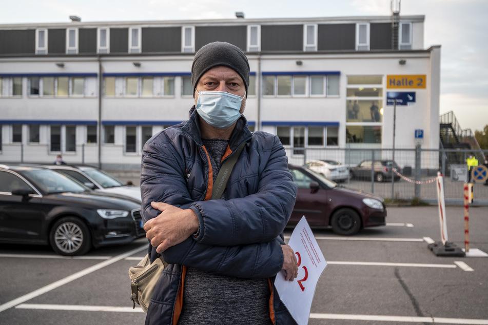 Risikopatient Thomas Winkler (50) ist enttäuscht von Gesundheitsamt und KV. Er wartete fast vier Stunden auf einen Corona-Test in der Messe.