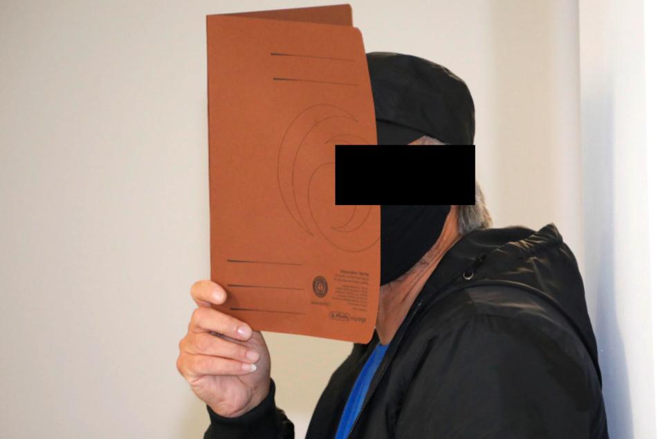 Der Reifenstecher von Chemnitz wurde zu einer Bewährungsstrafe verurteilt.