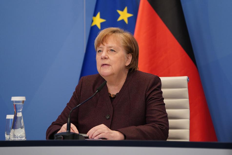 Bundeskanzlerin Angela Merkel (66) nimmt vom Kanzleramt aus virtuell an einer Videokonferenz teil. Merkel wirbt bei Familien für Geduld in der Krise.