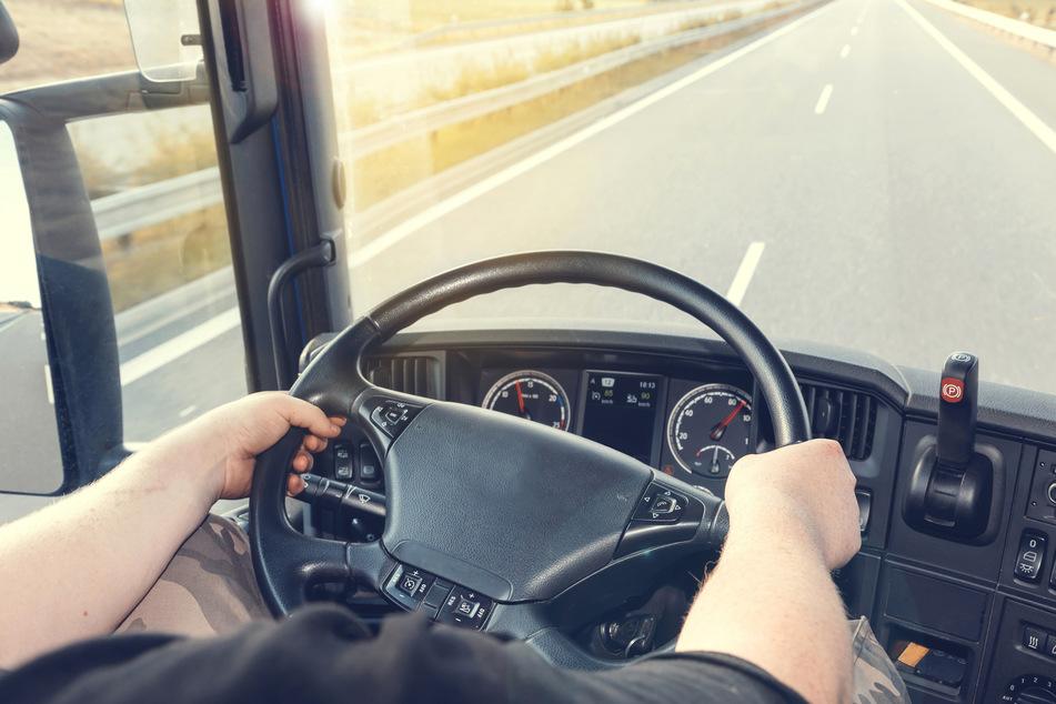 Chemnitz: Morgens in Schlangenlinien über die A72: LKW-Fahrer hatte über 2 Promille