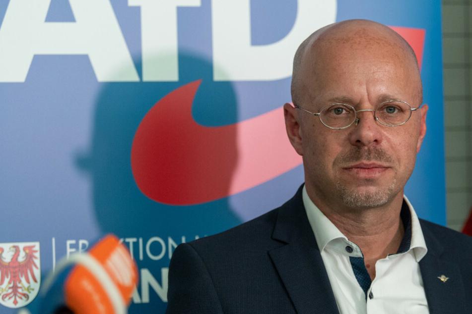 Andreas Kalbitz, Vorsitzender der AfD-Fraktion im Landtag von Brandenburg, gibt nach der Fraktionssitzung seiner Partei eine Pressekonferenz