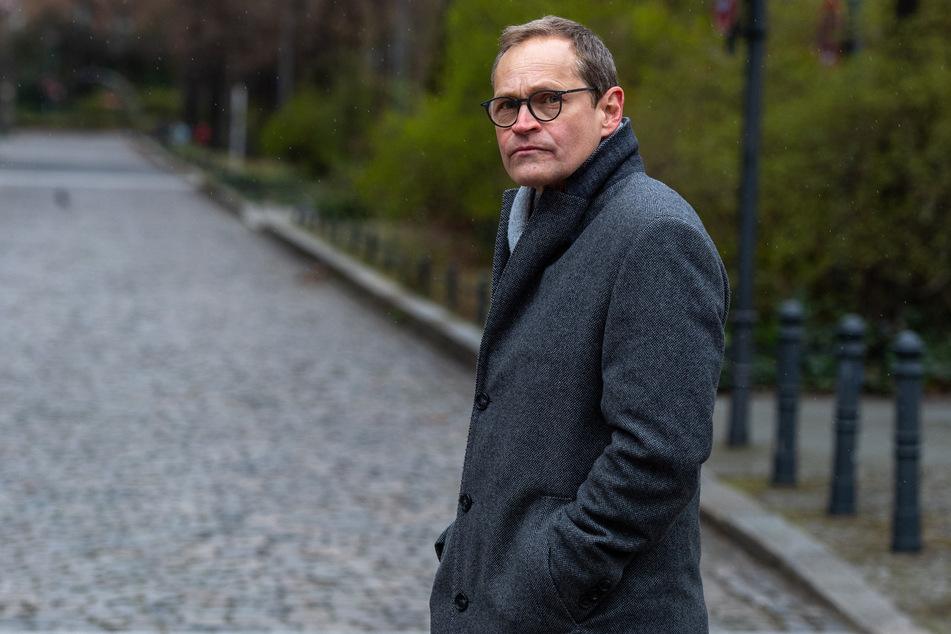 Berlins Regierendem Bürgermeister Michael Müller (56, SPD) erklärte, dass die Änderung des Infektionsschutzgesetzes noch bis zu zwei Wochen dauern könnte.