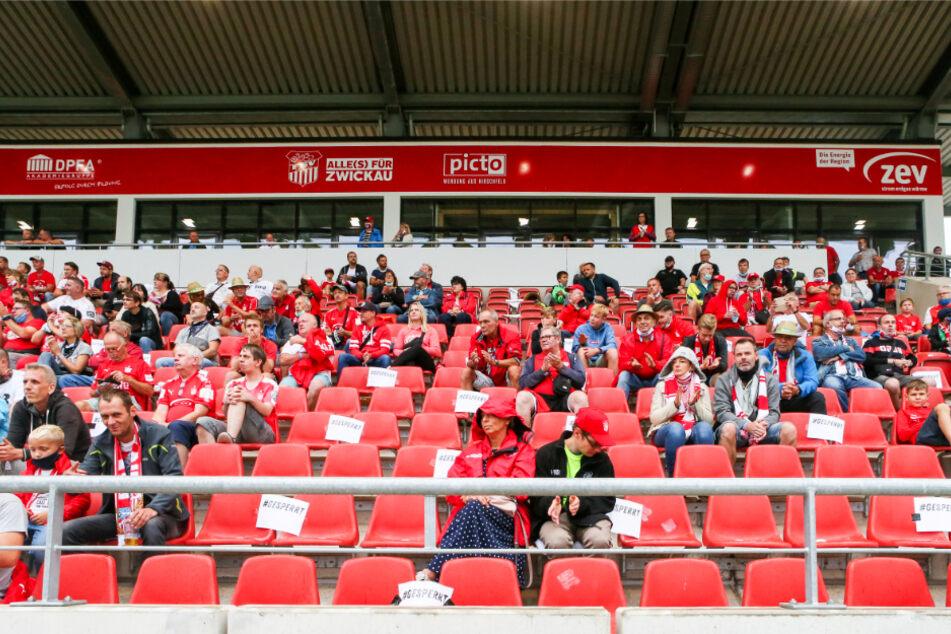 Beste Stimmung in der GGZ Arena! 1000 Fans schauten zu, wie sich die FSV-Spieler abmühten.