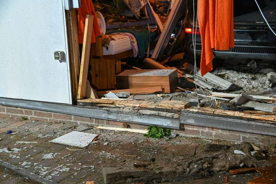 Nach Horror-Crash in Bungalow: Polizei hat traurigen Verdacht zur Unfallursache