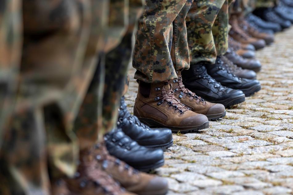 Rund 650 angehende Offiziere machen gerade für eine Woche Station in Dresden.