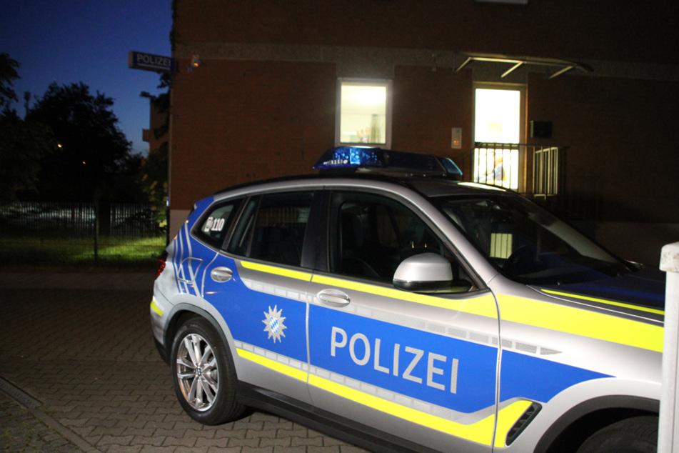 Massenschlägerei und Messerattacken: Beteiligte flüchten zur Polizei