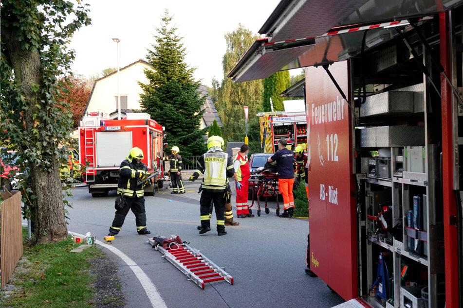 Um den Mann zu befreien, musste der Schuppen zuerst von der Feuerwehr ausgeräumt und abgestützt werden.