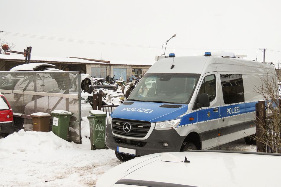 Überraschungsbesuch der Soko Argus. Die Spezialisten durchsuchten gemeinsam mit polnischen Beamten ein Objekt in Niederschlesien.