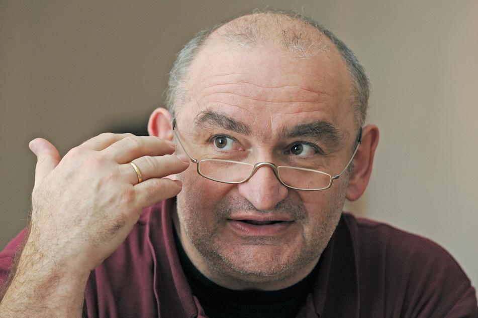 Der bayerische Kabarettist Sigi Zimmerschied (67) hält manch moralische Ansichten für übertrieben humorfeindlich. (Archiv)