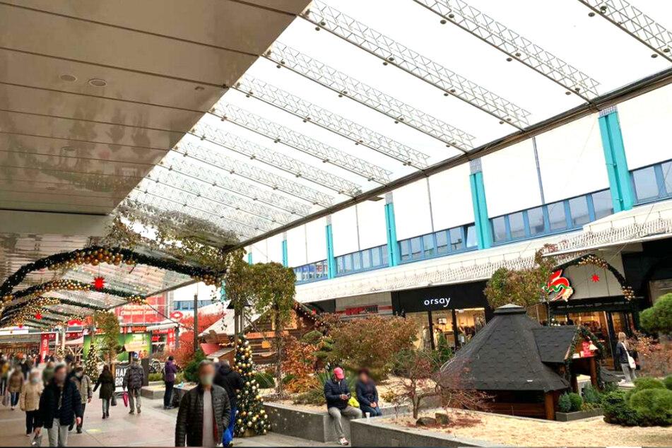 Das Chemnitz Center wurde bereits weihnachtlich geschmückt.