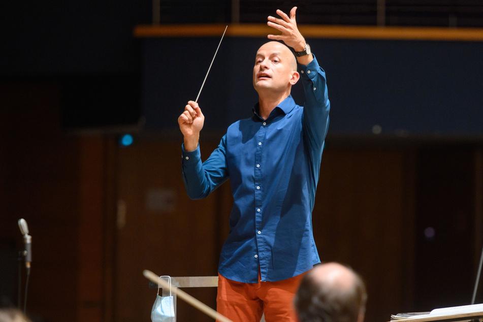 Generalmusikdirektor Guillermo García Calvo (42) brachte das Orchester nach der langen Pause wieder in Hochform.
