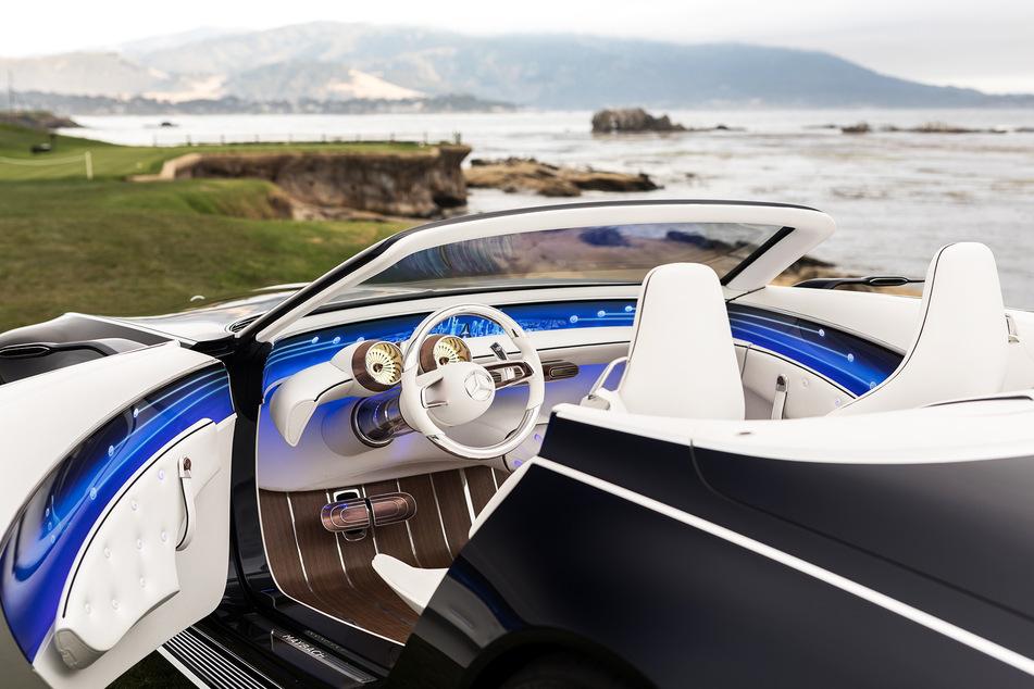 Mit dem luxuriösen Interieur des Vision Mercedes-Maybach 6 Cabriolet zeigt Mercedes-Benz eine neue Synthese von Intelligenz und Emotion.