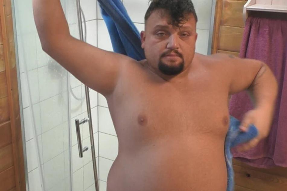 Mittlerweile hat Menowin über zehn Kilo an Körpergewicht verloren.
