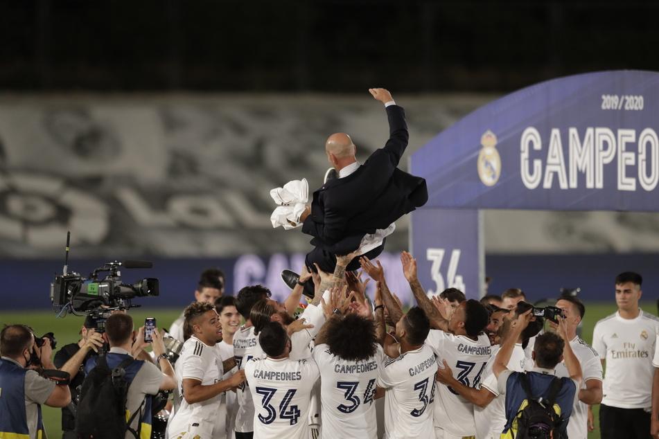 Real Madrid ist Meister. Trainer Zinedine Zidane (50) beschert den Königlichen nach drei Jahren wieder einen