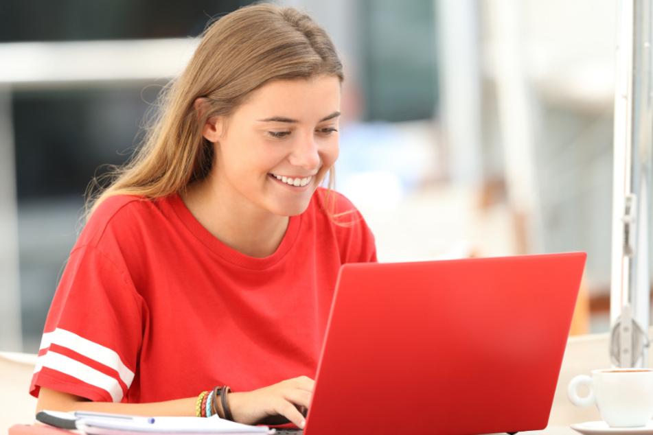 Schüler bekommen endlich Laptops für den Unterricht