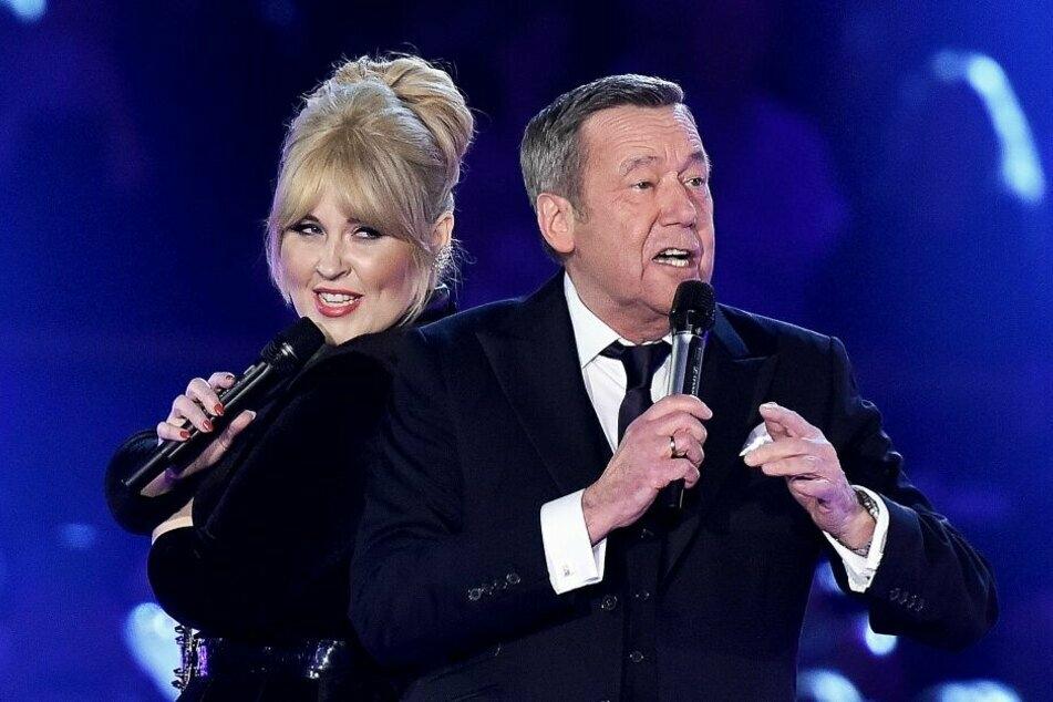 """""""Warum hast Du nicht nein gesagt"""" - zum 15. Jubiläum der Nebel-Show standen Maite Kelly (40) und Roland Kaiser (68) auf der Bühne für Carmen."""