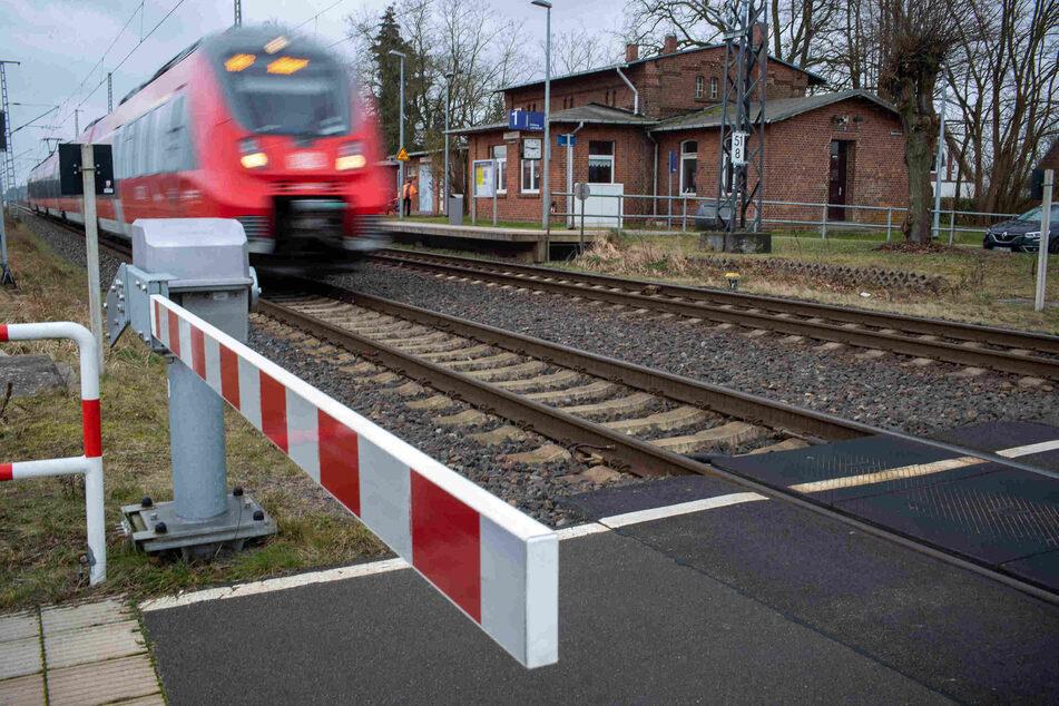 Wegen Bauarbeiten müssen sich Regional- und S-Bahn-Kunden in Berlin und Brandenburg in den nächsten Monaten auf zum Teil erhebliche Einschränkungen einstellen. (Symbolbild)