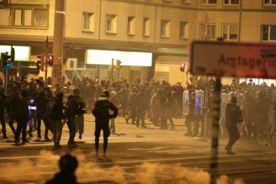 Leipzig: Ermittlungen wegen Angriffs auf Journalisten bei Indymedia-Demo