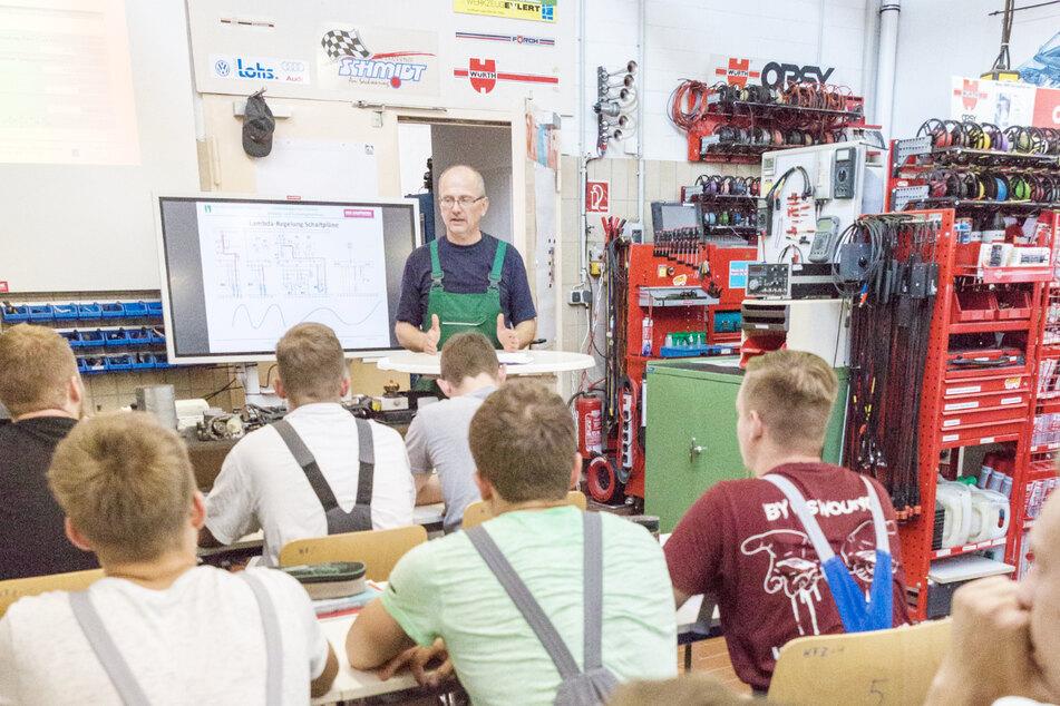 In Chemnitz kannst Du Dein Wissen weitergeben und nebenbei Geld verdienen