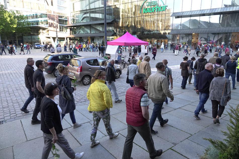 In Chemnitz fand am Montagabend wieder eine Demonstration gegen die Corona-Beschränkungen statt.