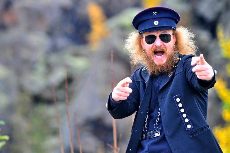 """André Groß (46), bekannt als """"Der Hauer"""", schlägt sich trotz Konzertverbot durch die Corona-Krise."""