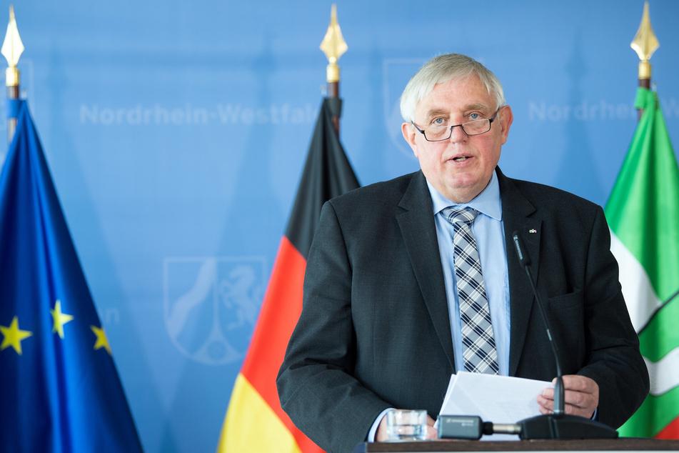 """NRW-Arbeitsminister Karl-Josef Laumann (63, CDU) pocht am """"Tag der Arbeit"""" auf bessere Arbeitsbedingungen im Versandhandel. (Archivfoto)"""