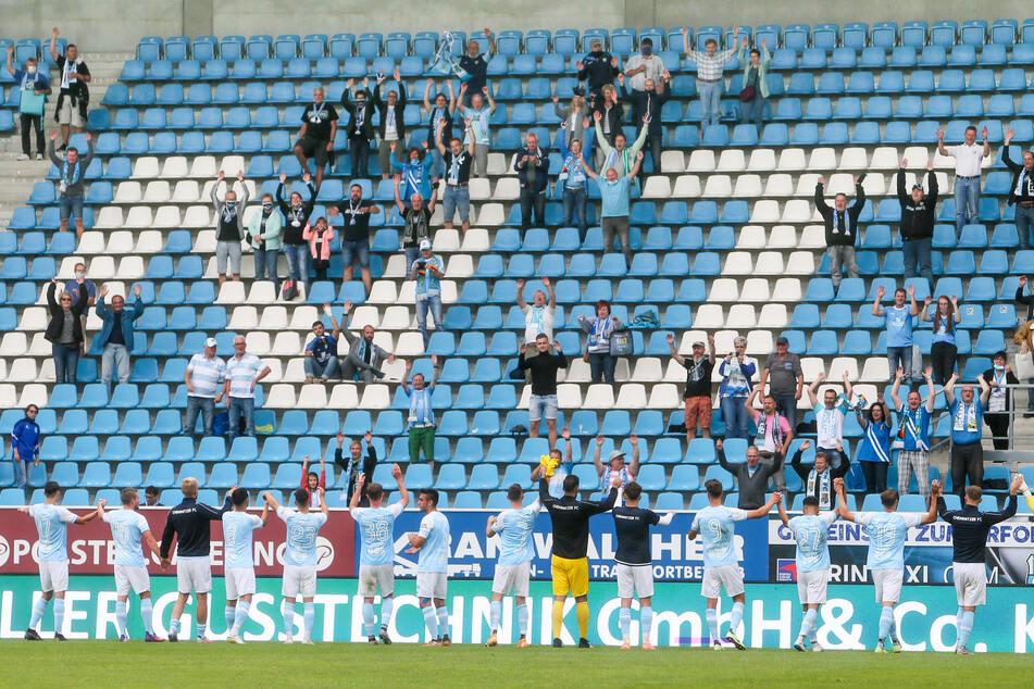 Die meisten Plätze im Stadion blieben Leer, schrecken die personalisierten Tickets die Fans ab?