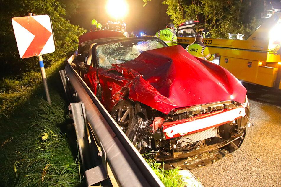 Tödlicher Unfall: Mazda schleudert in Gegenverkehr, BMW kann nicht mehr ausweichen