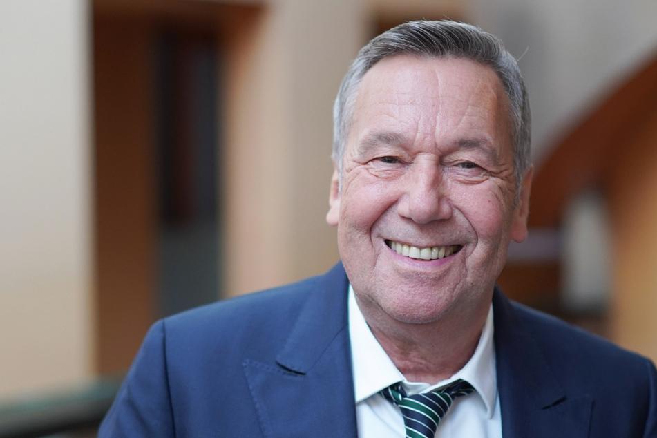 """Roland Kaiser: Schlagerstar veröffentlicht Autobiografie """"Sonnenseite"""""""