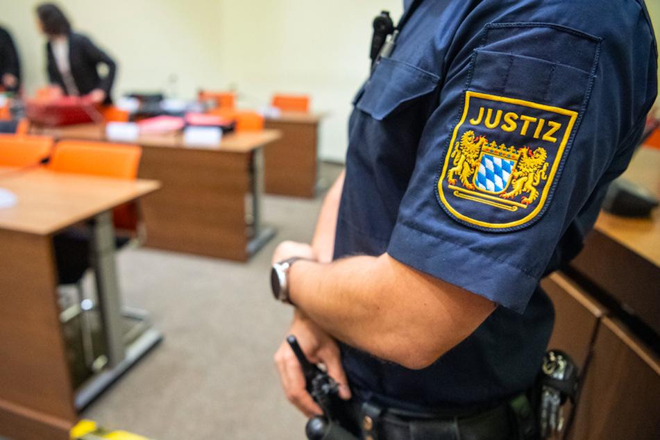 Mit mehreren Sex gehabt und dann irgendwas angezogen? Kurioser Drogenprozess in München