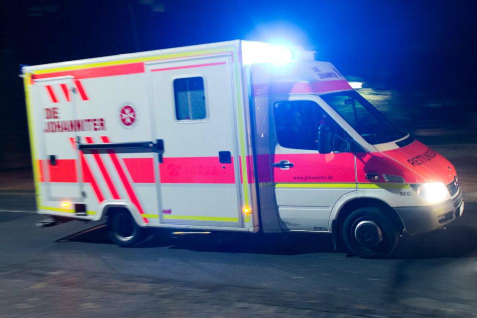 Am späten Donnerstagabend ist auf der A20 bei Dummerstorf ein Mercedes-Fahrer bei einem Zusammenstoß mit einem Sattelzug schwer verletzt worden. (Symbolfoto)