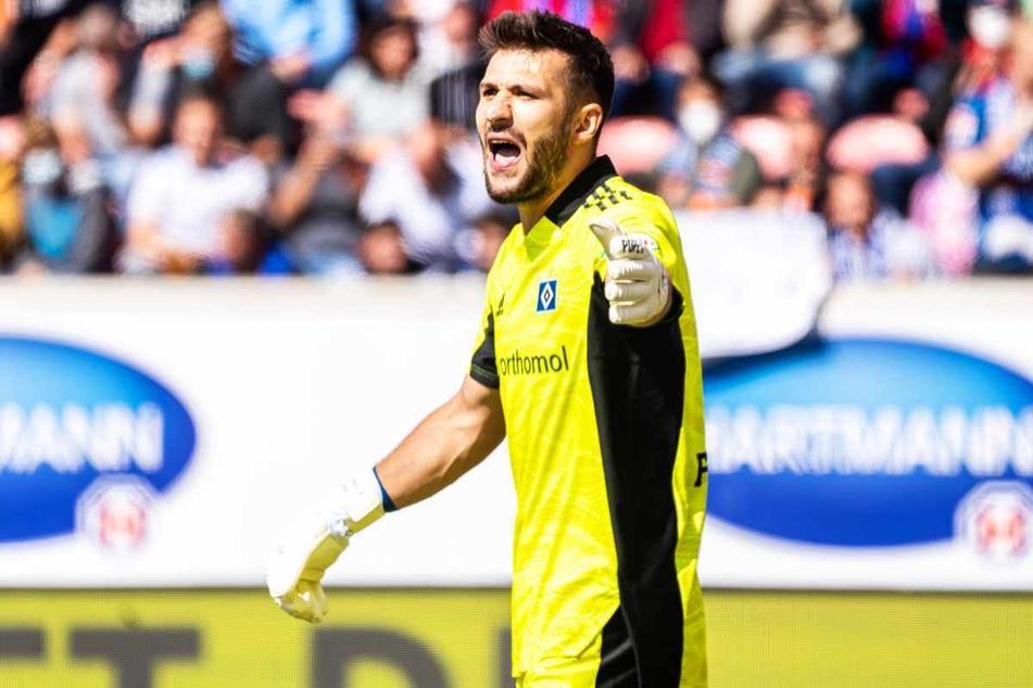 HSV-Keeper Daniel Heuer Fernandes (28) spielt seit zwei Wochen mit einem gebrochenen Zeh.