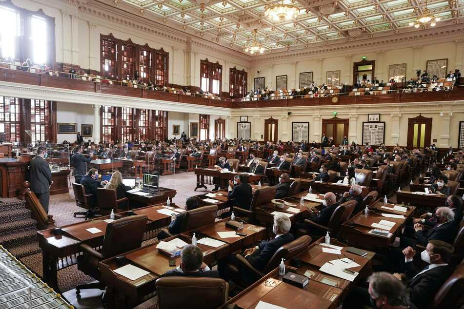 Texas House signals approval for bill punishing companies that divest from fossil fuels
