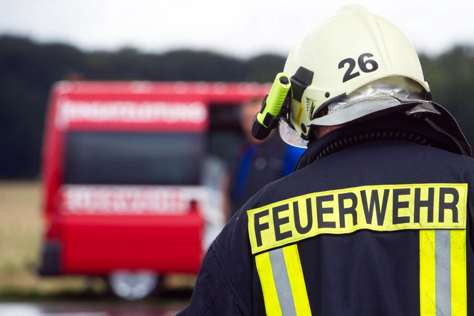 Großbrand in Schule! 170 Feuerwehrkräfte im Einsatz!