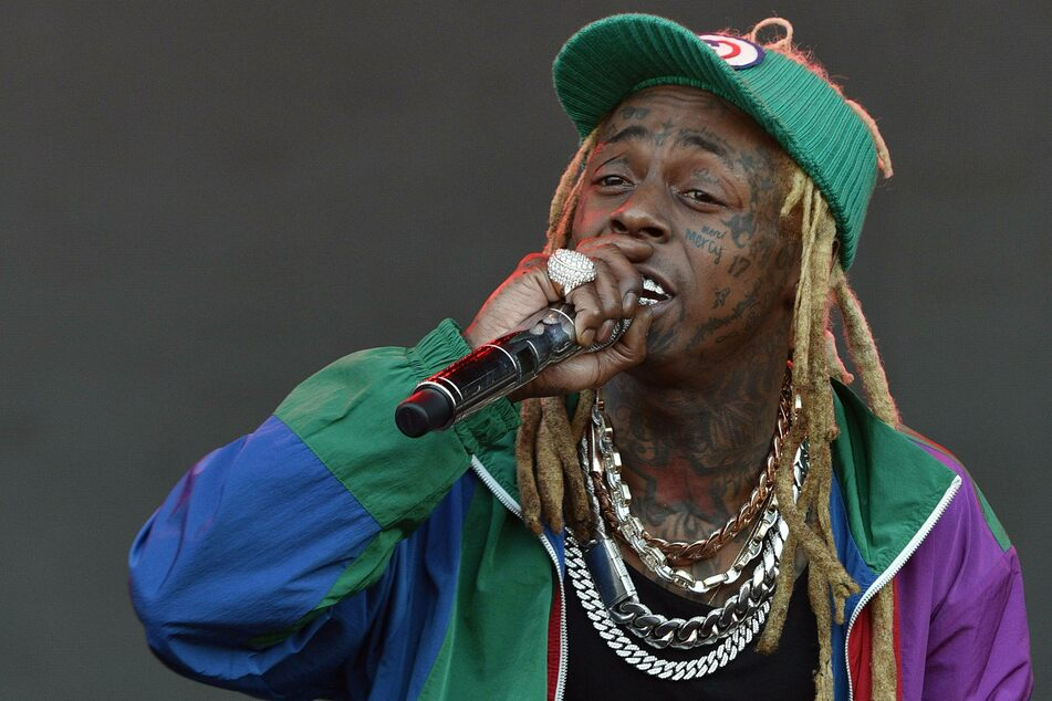 Lil Wayne in big trouble: rapper charged with firearm possession in Miami