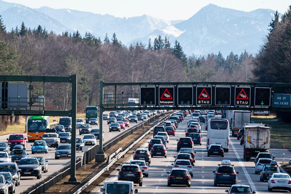 Salzburg setzt Abfahrtssperren auf A10 erstmals in Kraft