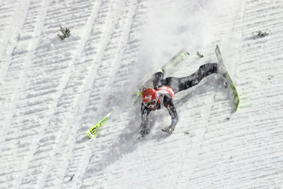 Drama bei WM in Oberstdorf: Skispringer Markus Eisenbichler stürzt!