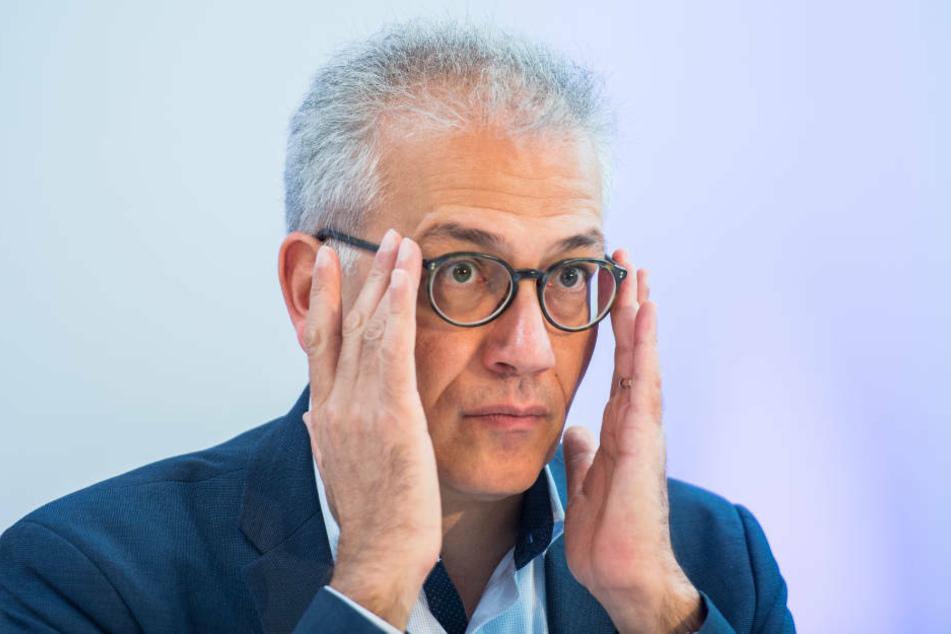 Hessens Wirtschaftsminister Tarek Al-Wazir zeigt sich trotz Corona-Krise zuversichtlich (Archivbild).