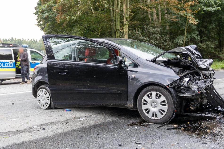 Beide Autos waren nach dem Unfall nicht mehr fahrbar und wurden abgeschleppt.