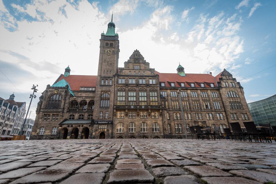 In Chemnitz stiegen die Corona-Zahlen am Montag wieder an - Lockerungen sind damit vorerst nicht in Sicht.